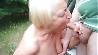 Granny running down and sucking transatlantic dick outdoor