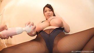 Busty Japanese chick Amayoshi Shizuku plays with will not hear of giant boobs